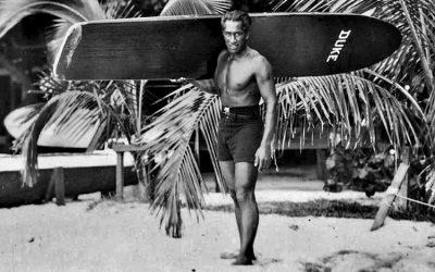 El surfer Duke Kahanamoku en la historia del Surf actual